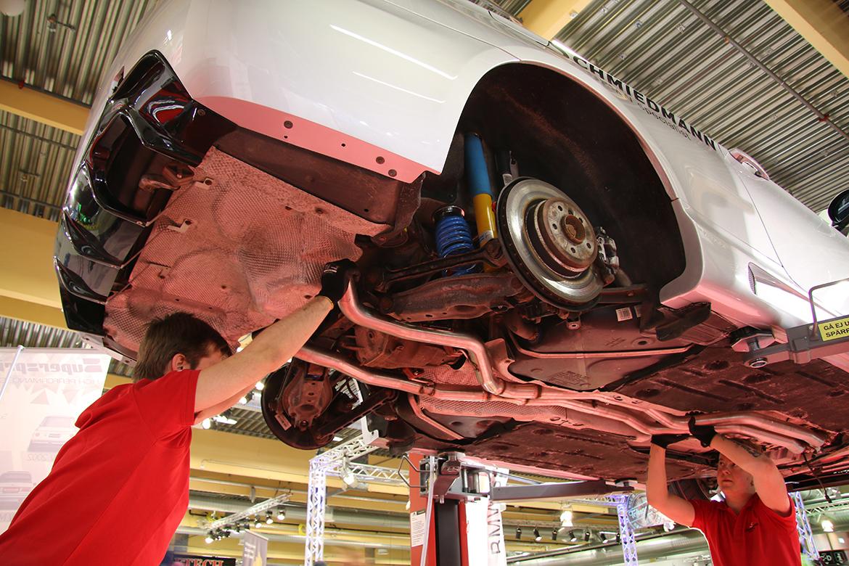 Live BMW 335i Track Build at Bilsport Performance & Custom Motor Show