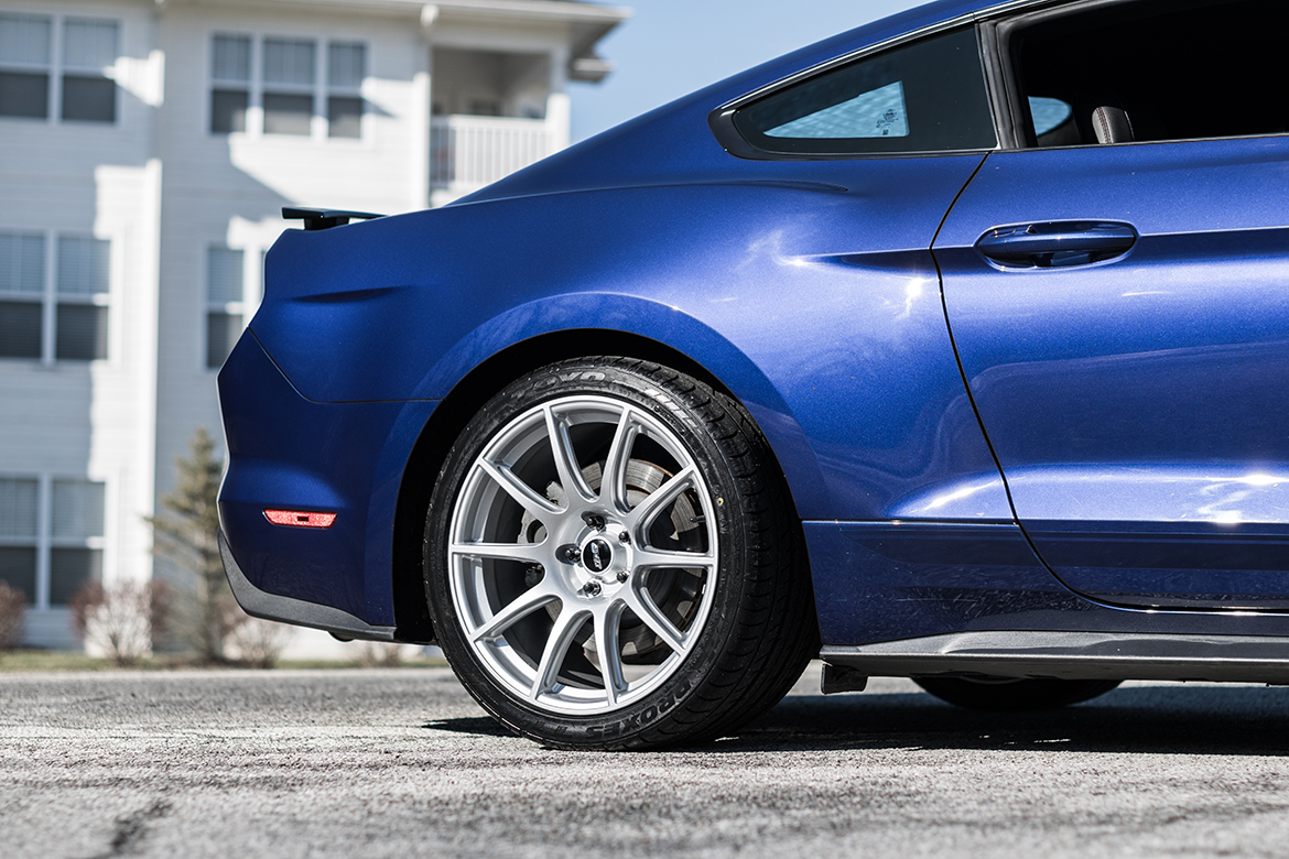 "Ford Mustang GT with 19"" SM-10 Wheels"