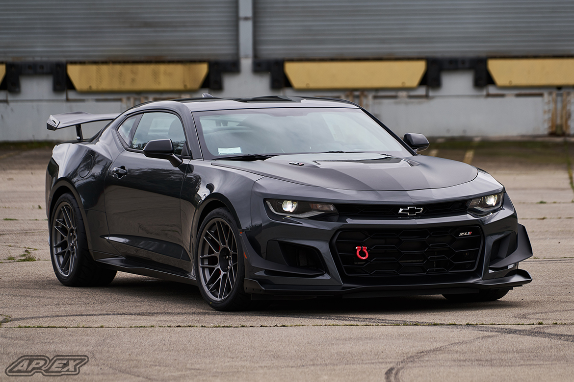 Chevrolet Camaro ZL1 1LE with 19″ ARC-8 Wheels