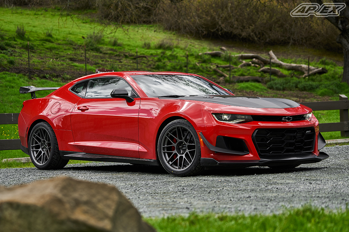 Joel's Camaro ZL1 1LE with 19″ ARC-8 Wheels