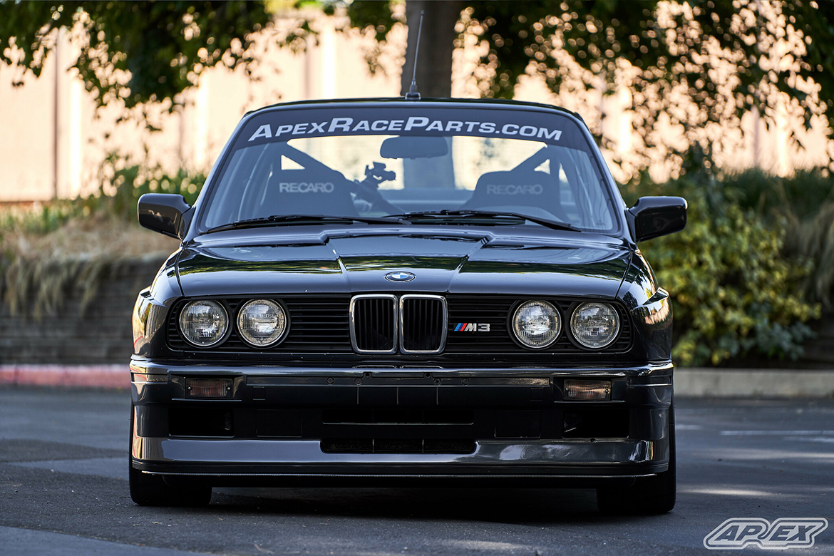 """BMW E30 M3 with classic 17"""" ARC-8 Wheels"""