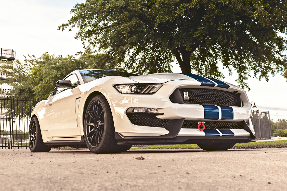 "Shelby GT350 with 19"" SM-10 Track Wheels"