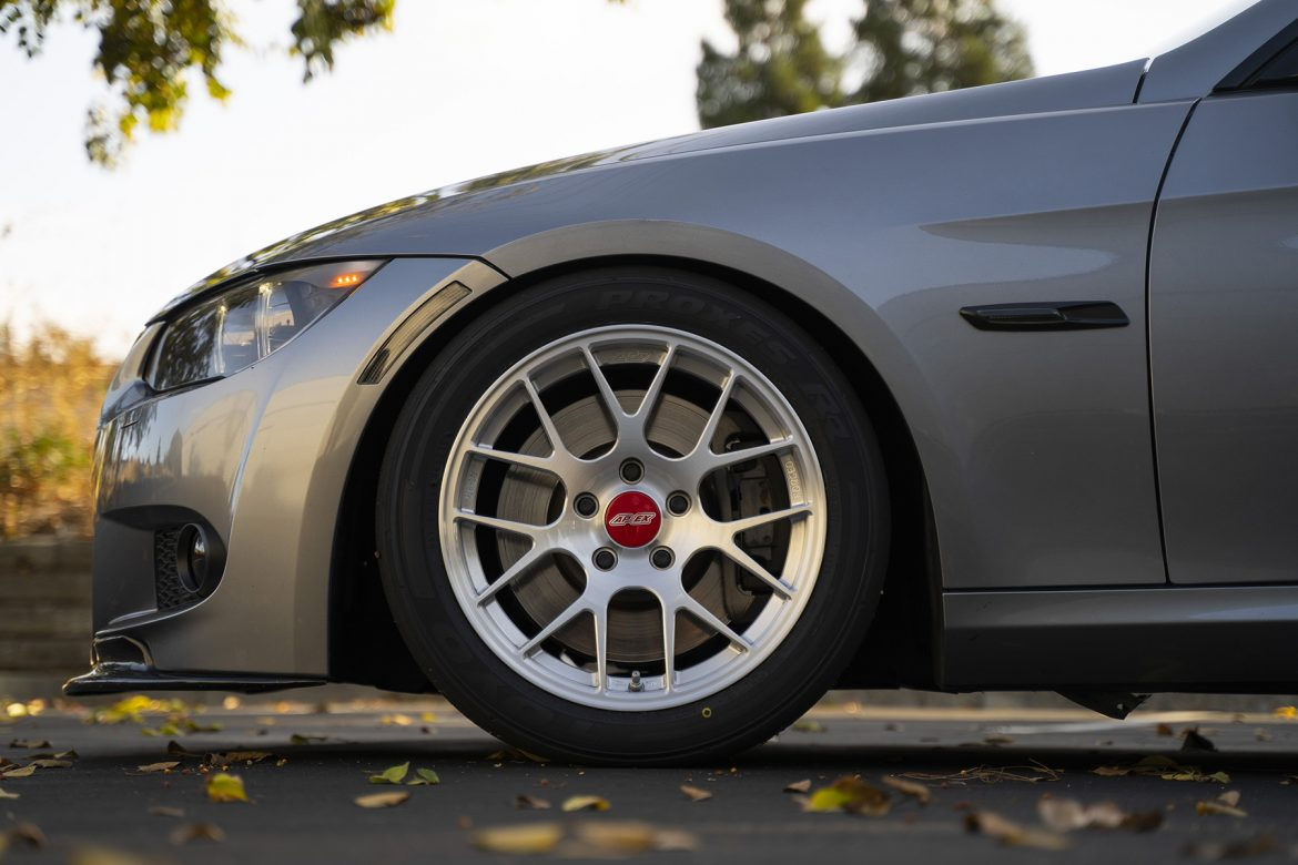 BMW E92 328i Featuring EC-7R Forged Wheels