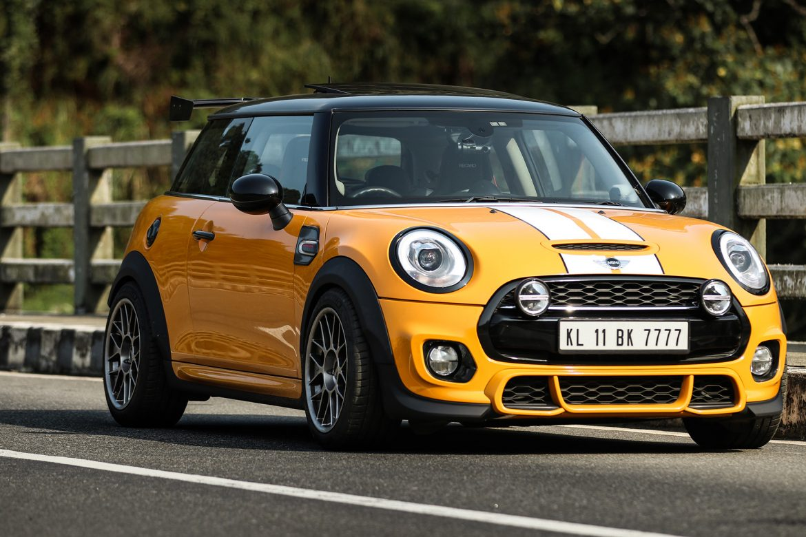 More Flare Than Your Average Mini: F56 Cooper S Featuring ARC-8 Wheels