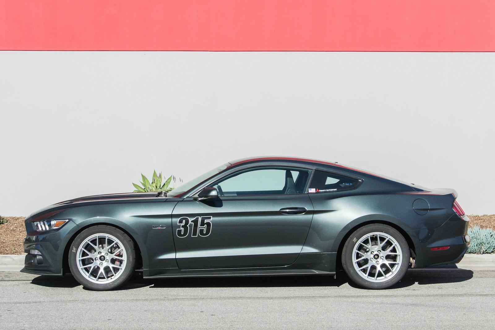 18x10 Quot Et43 Apex Ec 7 Mustang Wheel