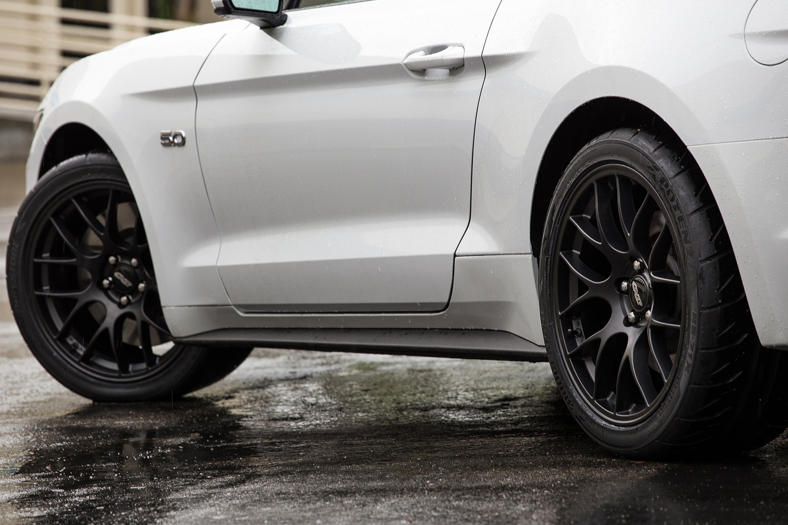 19x10 Quot Et40 Apex Ec 7 Mustang Wheel